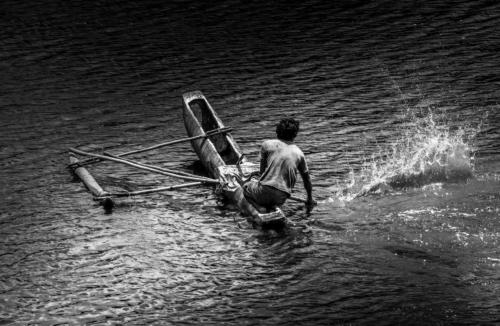 10 points-Fishing in the Dark-Ajith Hidakaraldeniya