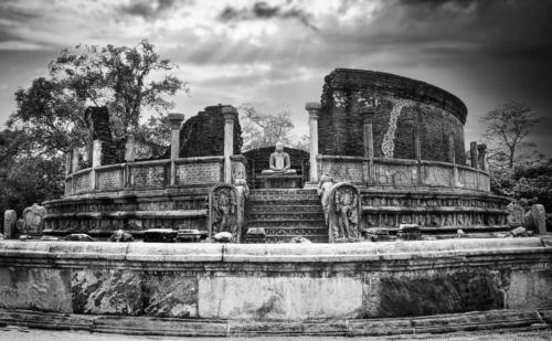 12 points-Ancient Polonnaruwa-Ajith Hidakaraldeniya