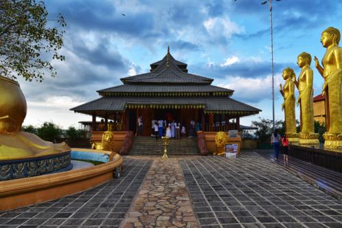 8 points-Golden Path-Gitanjali Mawalagedera